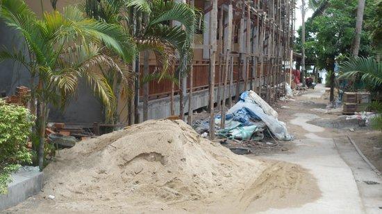 Wind Beach Resort: new block of rooms going up