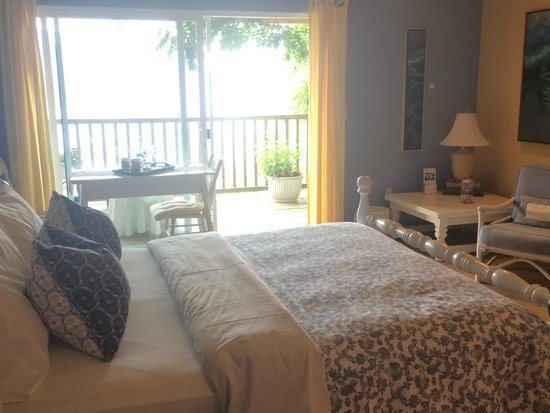 Sechelt Inlet B&B: Dogwood room