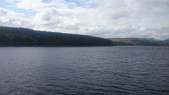 Pontsticill, UK: lake,rear of b&b