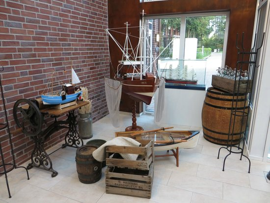 blick auf die brasserie bild von arkadenhaus hotel freiherr von schwarzenberg papenburg. Black Bedroom Furniture Sets. Home Design Ideas