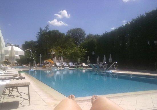 Hotel Terme Tritone Thermae & Spa: piscina al momento del pranzo....