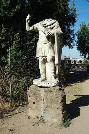 Palatin: Headless Roman. Apt analogy.