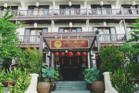 Little Hoian Boutique Hotel & Spa: Hotel from outside