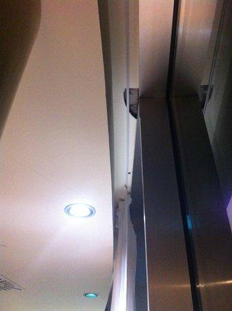 Arrecife Gran Hotel & SPA: falta mantenimiento sala
