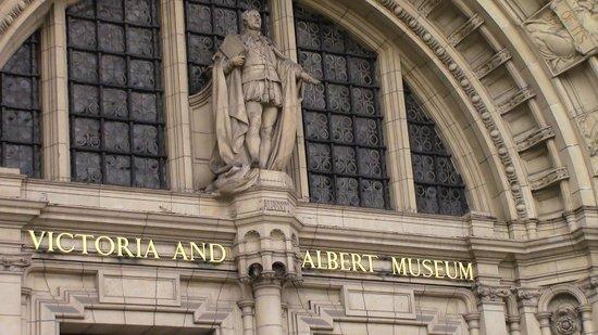 V&A  - Victoria and Albert Museum: ingresso principale