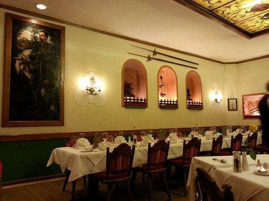 Landhauskeller: один из многочисленных залов ресторана