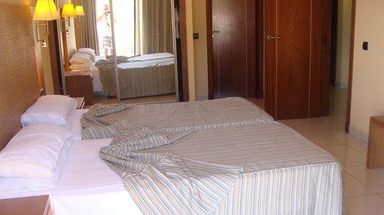 Hotel Riu Palace Tenerife: la chambre , une douche , une baignoire