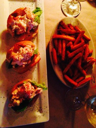 Common Man: Lobster sliders with sweet potato fries