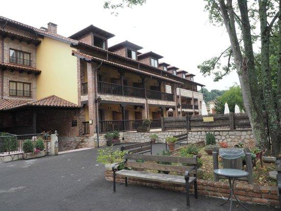 Hotel Maria Manuela: Frontal sobre el spa