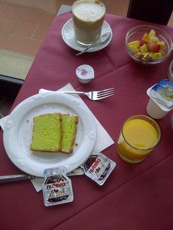 Park Hotel le Fonti: Detalhes do café da manhã: possui frutas frescas