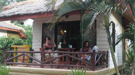Bow Thong Resort: sundowners