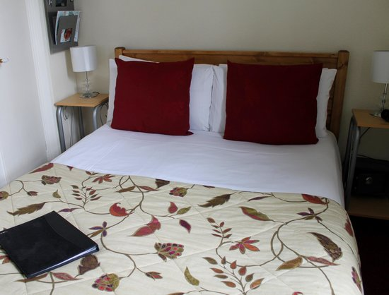 Milton House: Beau Nash small double en-suite room
