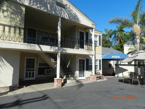 Coronado Inn: Rear units are quieter