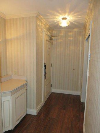 Avalon Hotel: Foyer