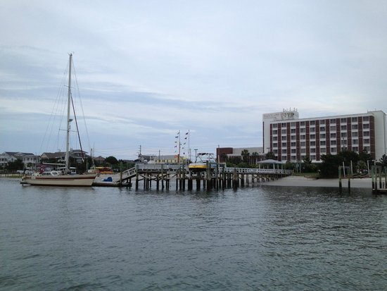 Blockade Runner Beach Resort : The docks/hotel, from our sailboat inside the waterways behind the island
