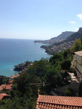 La Belle Vue : Das Einzig Schöne: der Blick vom Hotel !