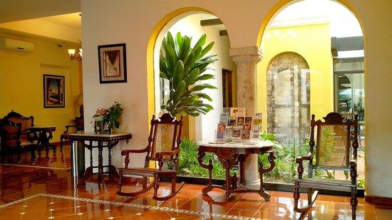 Hotel Maison del Embajador: LOBBY
