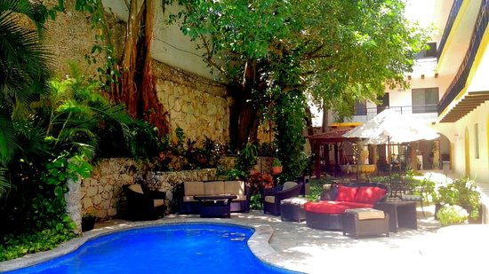 Hotel Maison del Embajador: AREA ALBERCA
