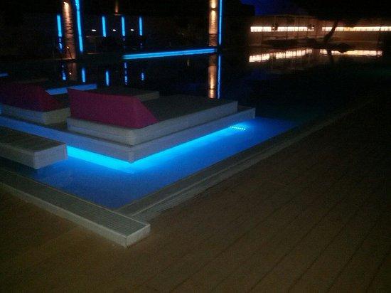 Proteas Blu Resort: Parte piscina