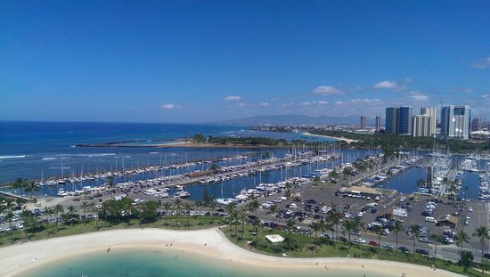 Hilton Hawaiian Village Waikiki Beach Resort: View from our room in Rainbow Tower