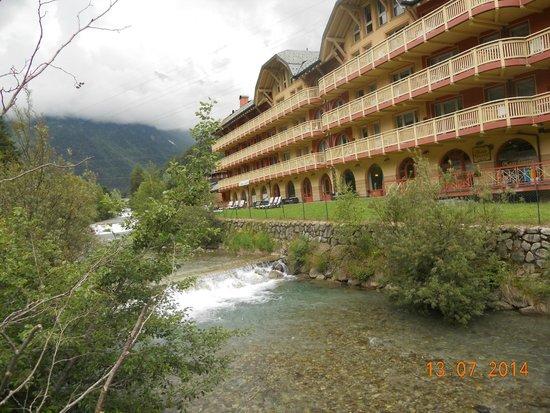 Residence Club Ponte Di Legno: esterno con fiume