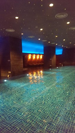 Lotte Hotel Moscow: бассейн