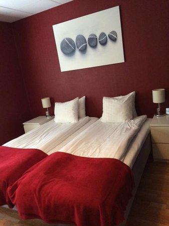Port Hotel: Vårt rum