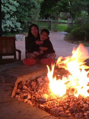 Hyatt Regency Monterey Hotel and Spa on Del Monte Golf Course: Fire pit