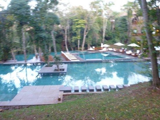 Loi Suites Iguazu: The pools (middle one heated)