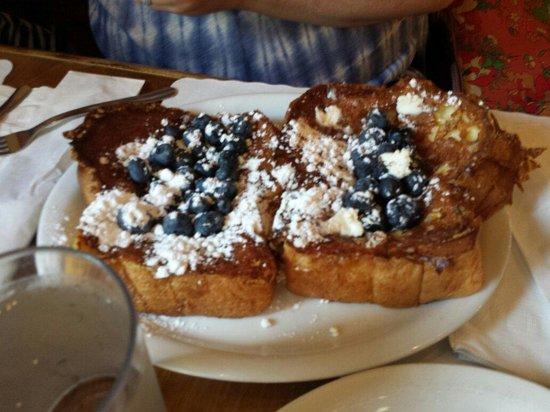 Lake Placid Inn : Blueberry french toast.