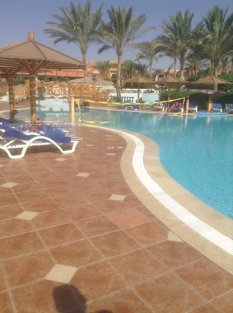 Club Magic Life Sharm el Sheikh Imperial: Slippy Pool Floor