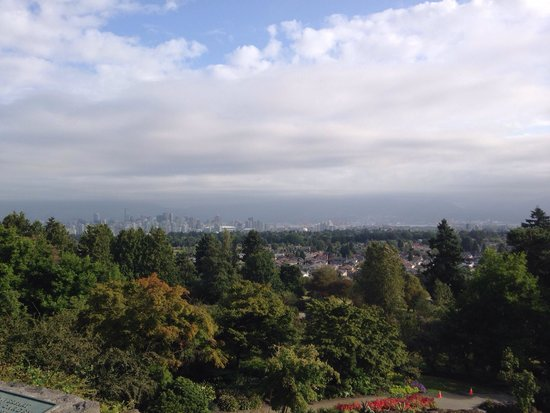 Queen Elizabeth Park: view over Vancouver