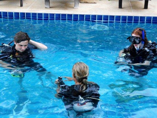 H2O Original: Learning basics in local pool