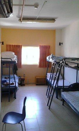 Abraham Hostel Jerusalem : The dorm00