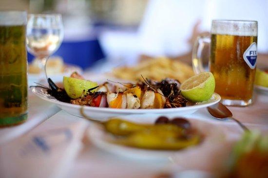 Kontokali Bay Resort and Spa: Food