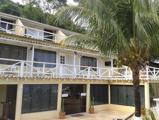 Posada Villa Mercedes: Habitaciones vistas desde la pileta
