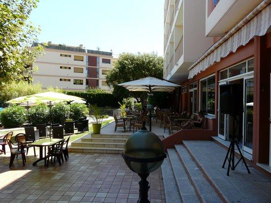 Residence de Vacances Univac Le Capet : la terrasse pour l'apéro