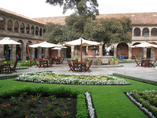 Belmond Hotel Monasterio: Courtyard at the Monasterio Hotel