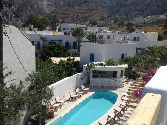 Cavo Bianco: vue de notre balcon, la piscine le jour