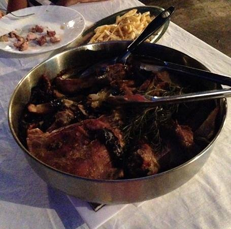Konoba Belin: Peka di carne