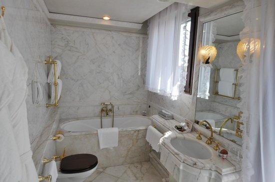 Bauer Palazzo: Badezimmer