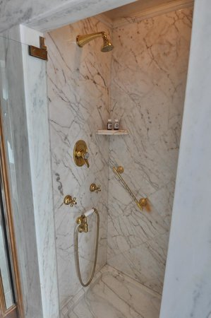 Bauer Palazzo: separate Dusche
