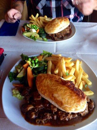 The Boathouse Lochside Restaurant: Loch Nessie hotpot pie