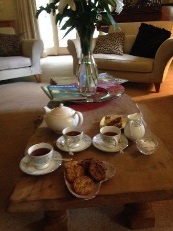 Field Green Oast Bed & Breakfast : Afternoon tea