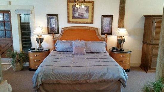 Cedar Key Harbour Master Suites : The Loft suite