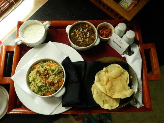 Ramada Resort Cochin: The Food..