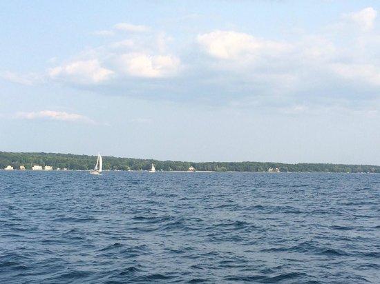 Tall Ship Manitou - Day Tours: Grand Traverse Bay