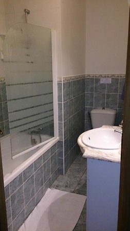 La Chataigneraie: Bathroom