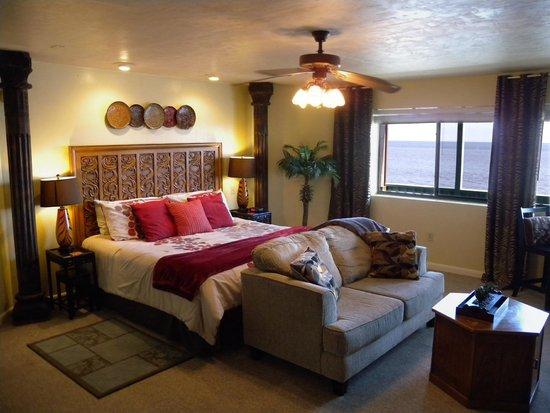 Cedar Key Harbour Master Suites : Castaways Gulf front suite