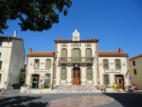 L'Ile aux Mimosas: Mairie de Tautavel